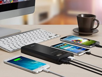 RAVPower-18200mAh-3-USB-Port-Externer-Akku-Pack-Zusatzakku-Power-Bank-Ladegert-fr-Smartphones-und-Tablets-0-3